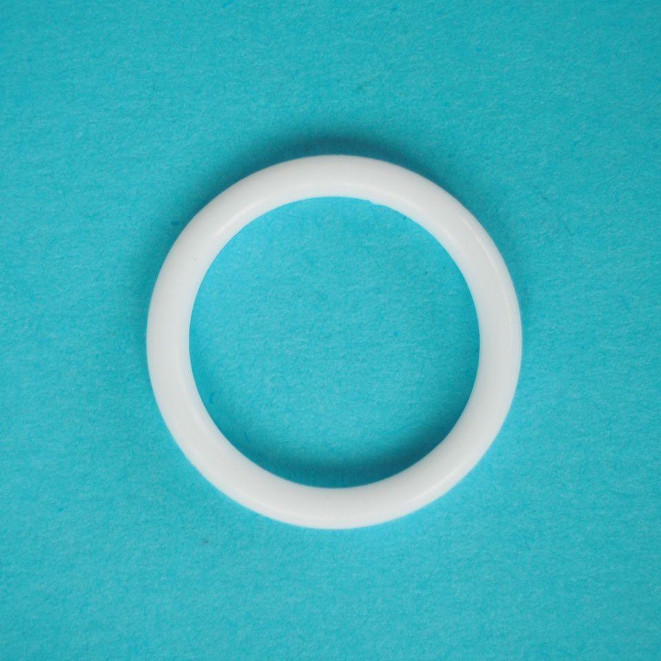 kroužek plastový vel. 16 mm bílý, černý