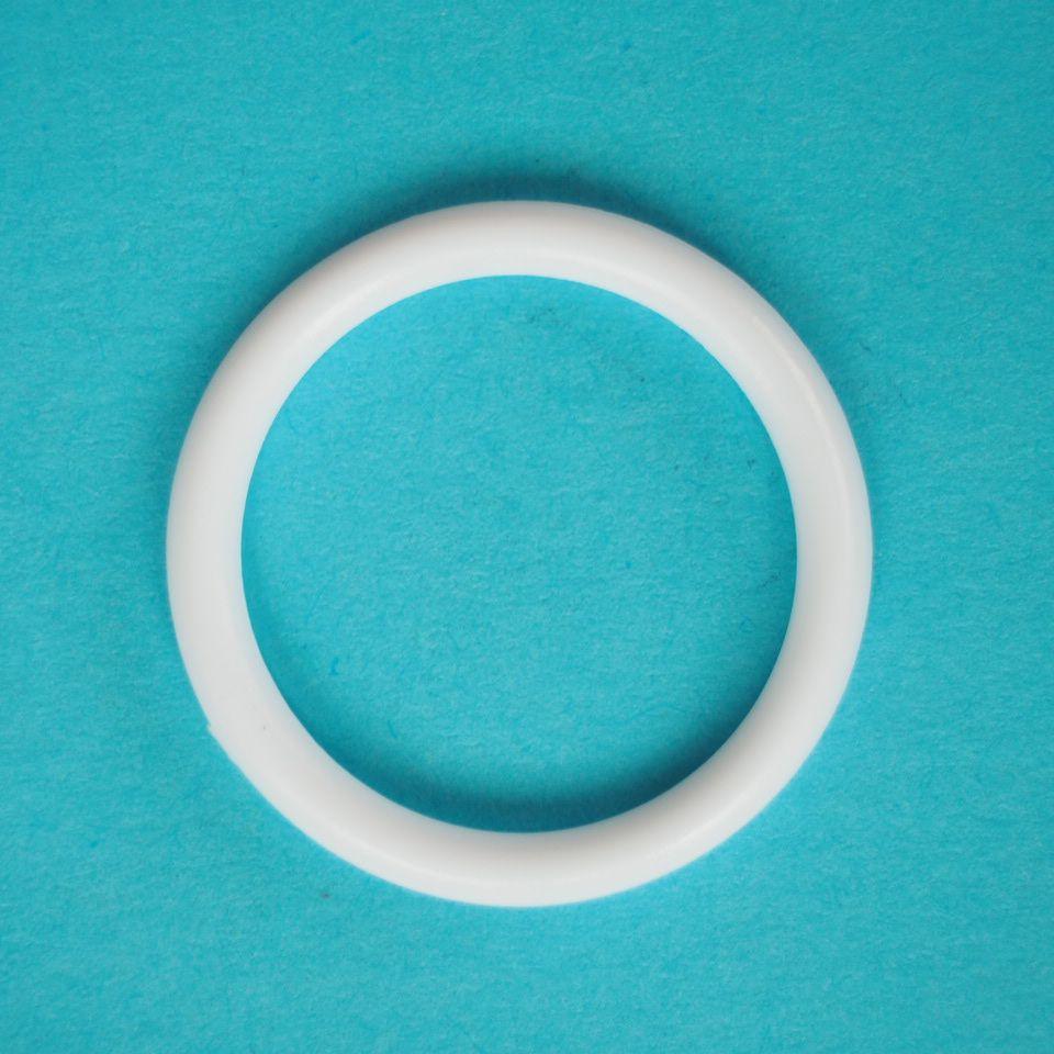 kroužek plastový vel. 18 mm bílý, černý