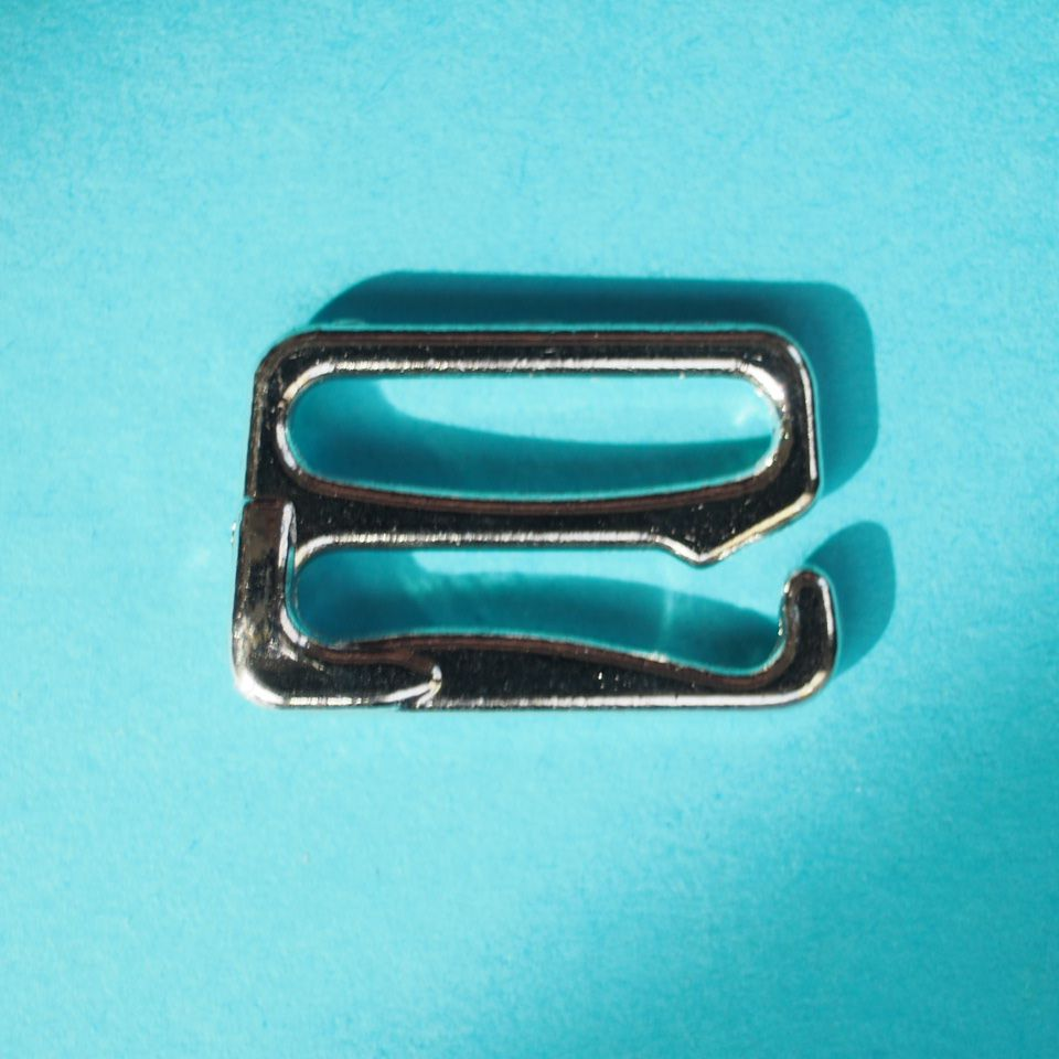 kovové háčky 17 mm stříbrné